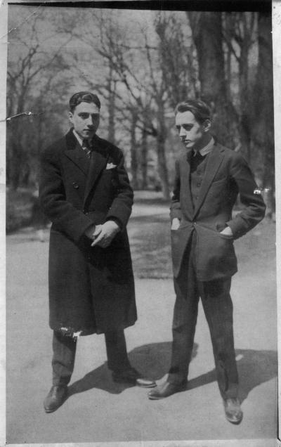 Ilarie Voronca (Eduard Marcus) et Victor Brauner, ils publièrent ensemble le magazine avant-gardiste 75 HP (années 1920)